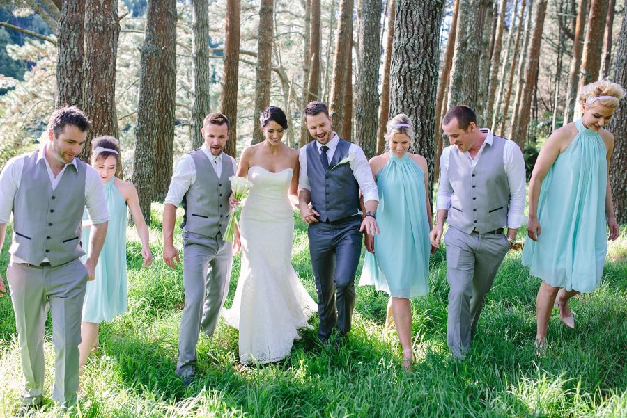 Country wedding vibe bridal party at Olive Tree Cottage