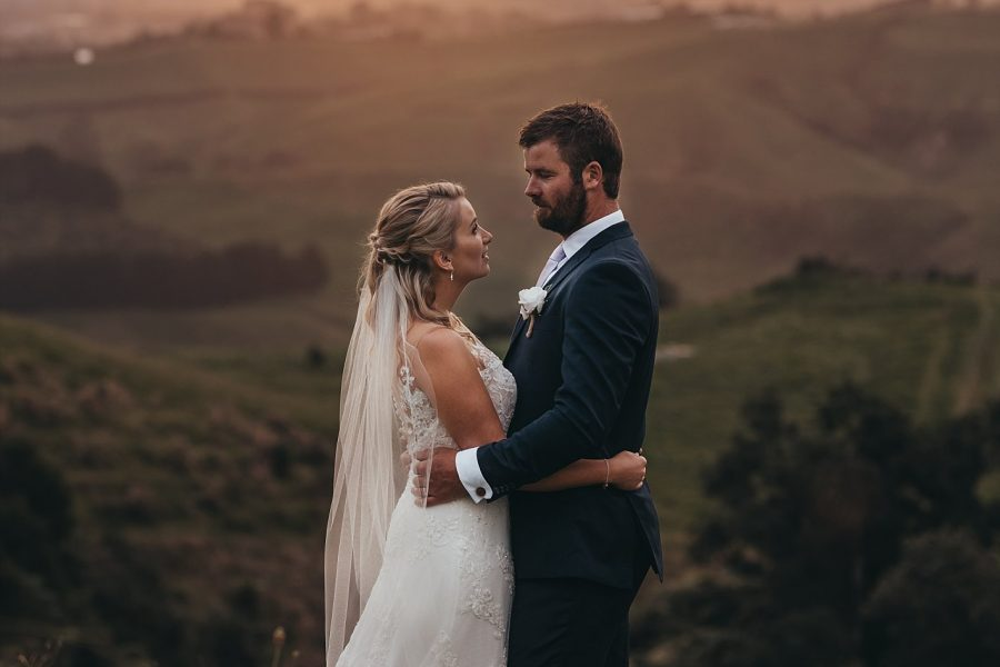 Beautiful moments with bride and groom at eagle ridge country wedding in tauranga