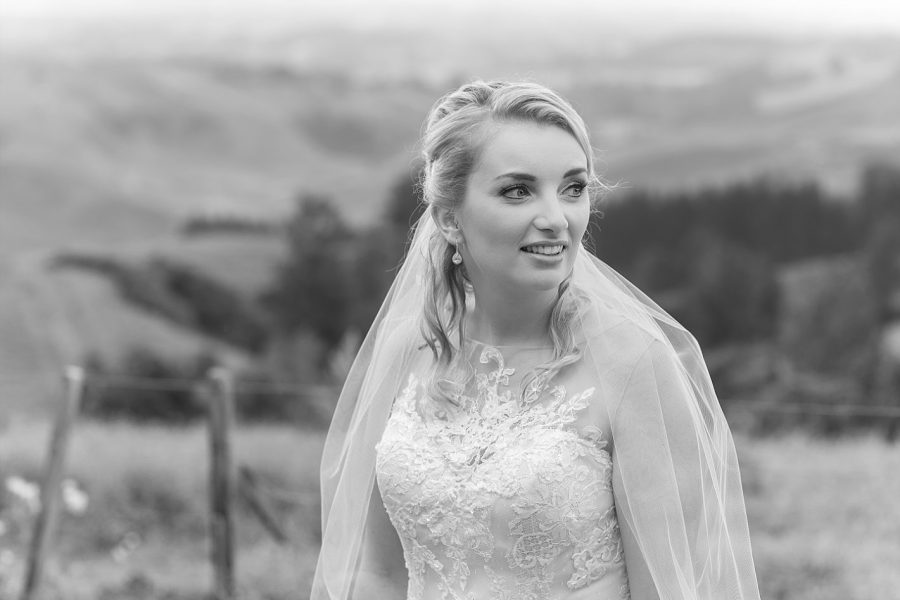 Te Puke bride Jodi at eagle ridge estate on her wedding day