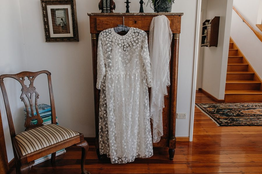 Country style Wedding dress and vintage viel