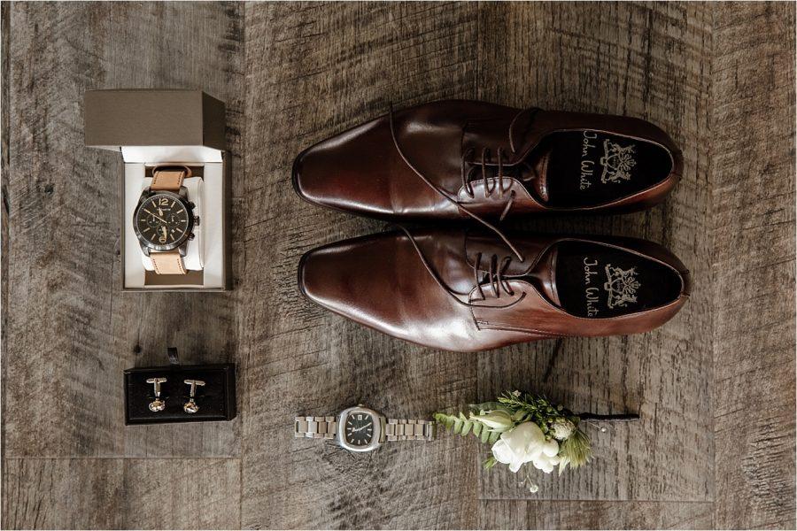 Layflat grooms details