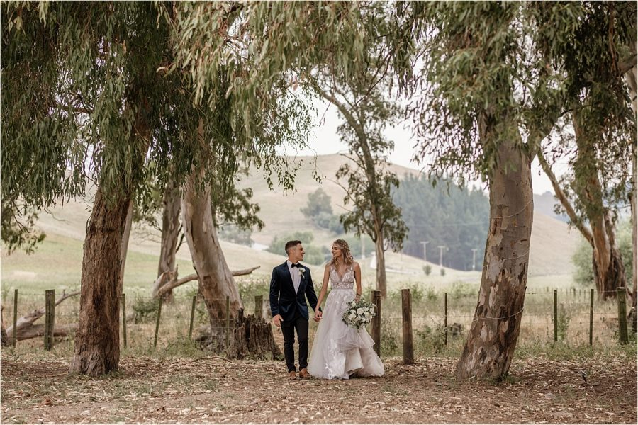 Country relaxed natural wedding photos with Pure Images Photography
