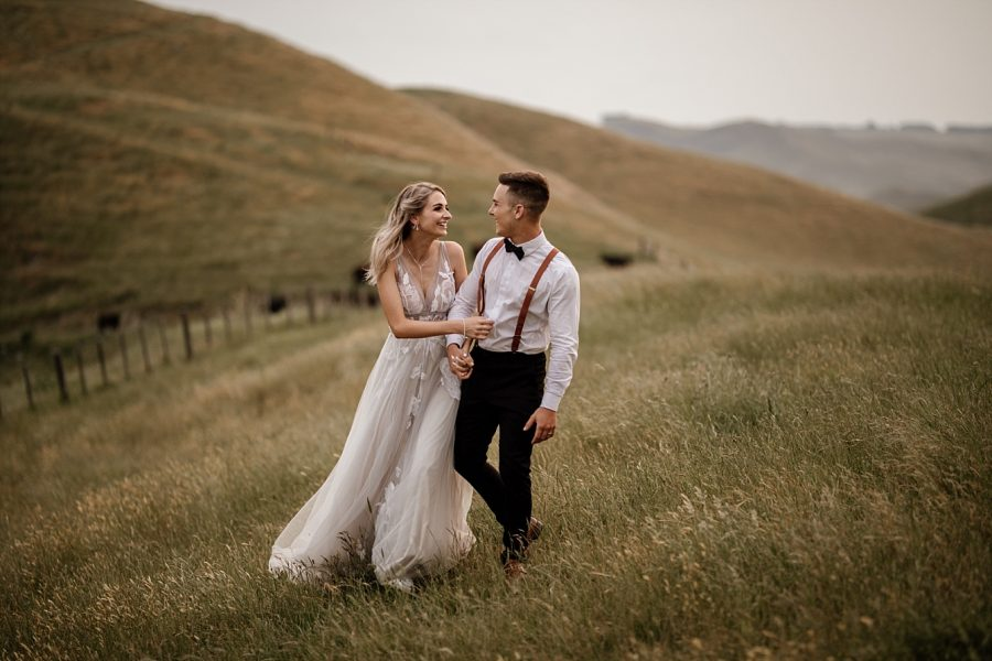 Candid natural wedding photographer hawkes Bay