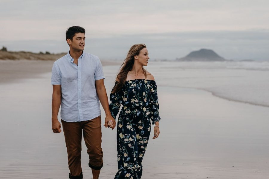 natural photography during couple photography on beach