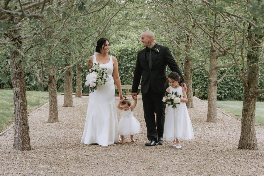 Beautiful natural family photos at Ataahua