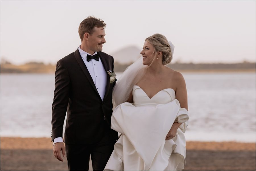 Wedding photos with Mount Maunganui in the background