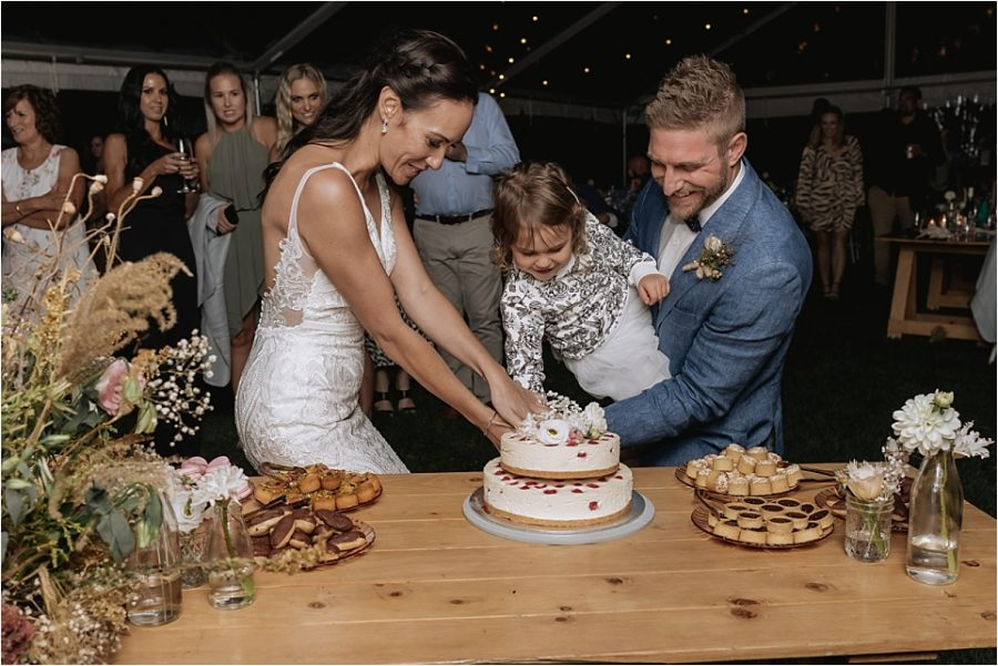 Cake cutting with daughter
