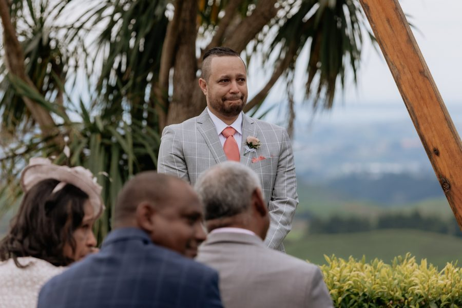 Grooms reaction on emotive moments