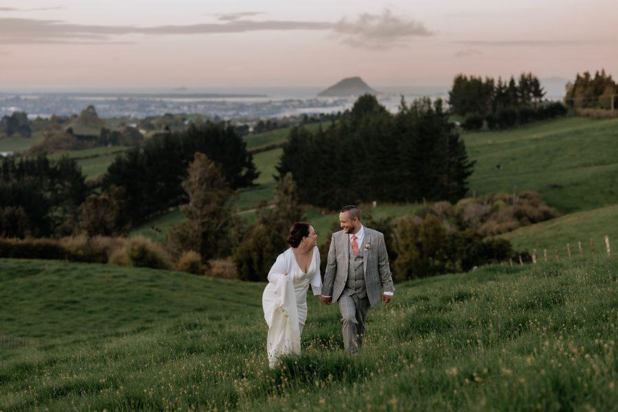 Wedding photos with Mount Manganui